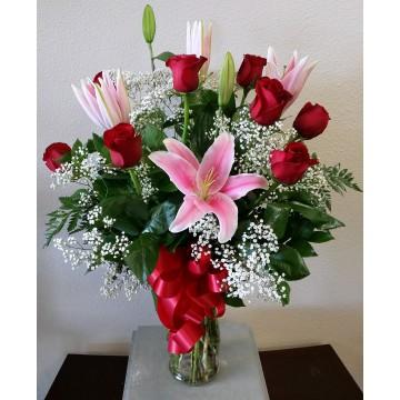 Arreglo con Rosas & Lilium