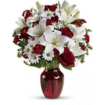 Docena de Rosas con Lilium Blanco y Margaritas