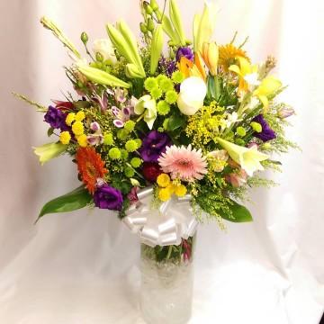 Ramo Surtido con Astromelias, Lilium, Lisianthus, Cardos y flores surtidas